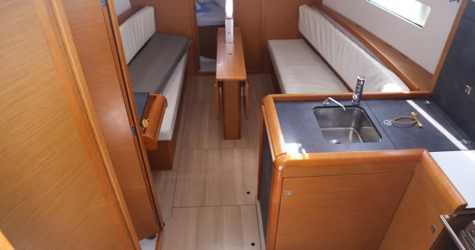 Rental yacht Skopelos Town - Jeanneau Sun Odyssey 349 on SamBoat