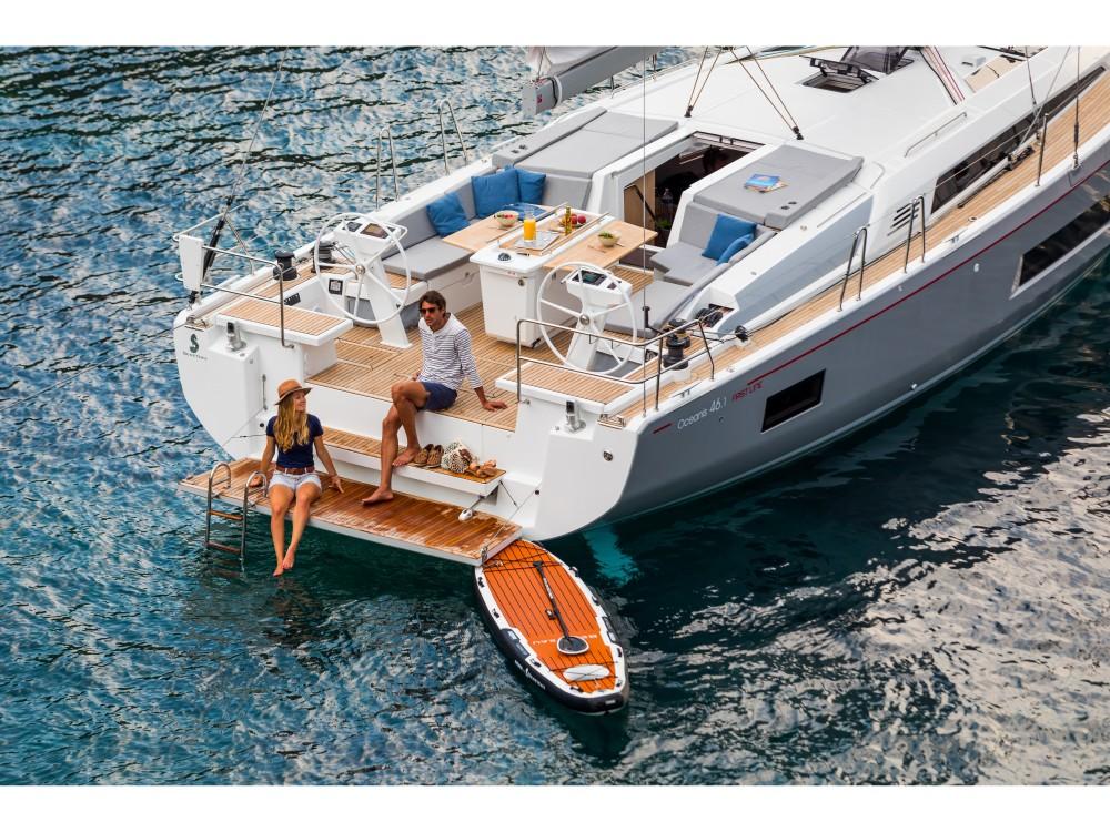 Boat rental Bénéteau Oceanis 461 in Álimos on Samboat
