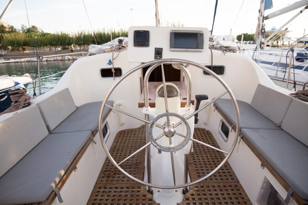Rental Sailboat in Nikiana - Feeling Feeling Kirie 39