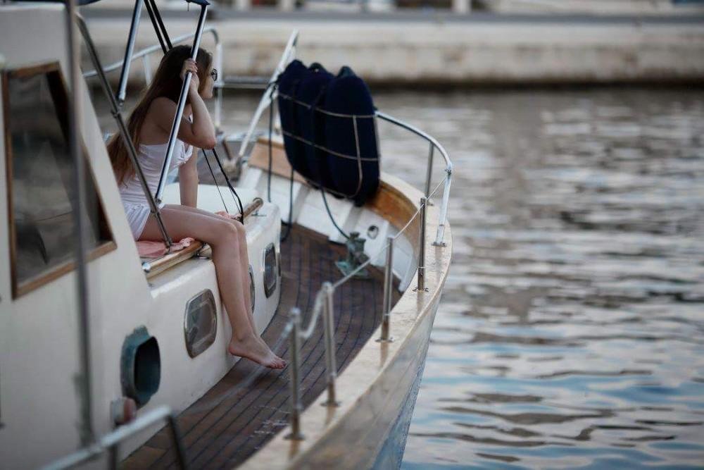 Boat rental Split cheap Leut