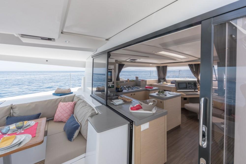 Rental Catamaran in Castiglioncello - Fountaine Pajot Fountaine Pajot Saona 47