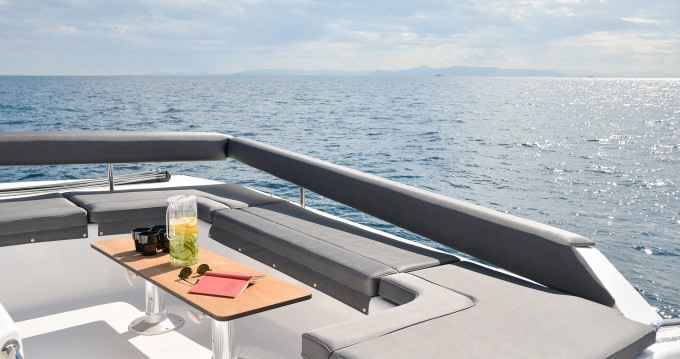 Rental yacht Parikia - Dufour Dufour 48 Catamaran on SamBoat