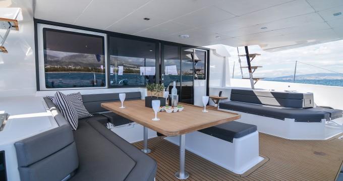 Catamaran for rent Páros at the best price