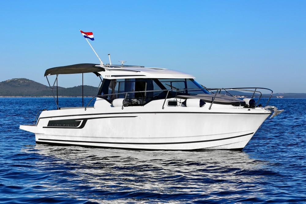 Boat rental Jeanneau Merry Fisher 795 in Grad Zadar on Samboat