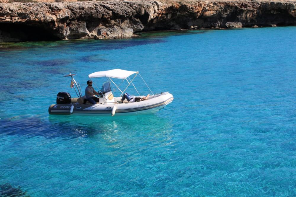 Boat rental Zodiac Medline 550 Neo in  on Samboat
