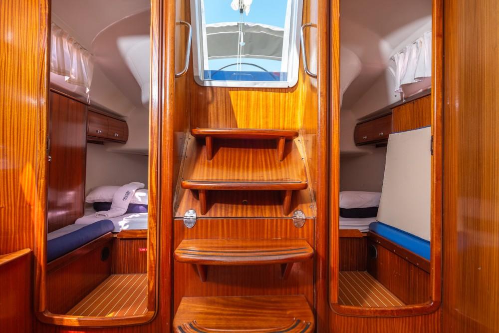 Boat rental Bavaria Bavaria 42 Match in Pirovac on Samboat