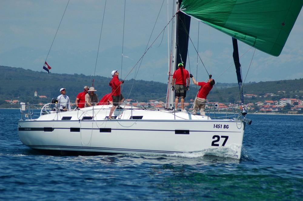Rent a Bavaria Bavaria Cruiser 40 S Pirovac