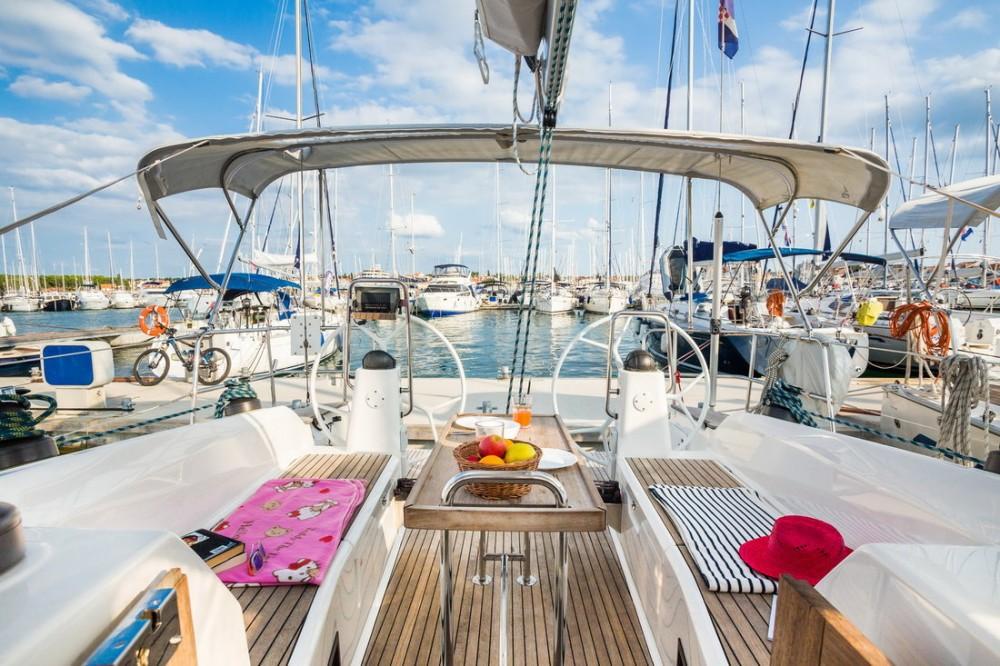 Rental Sailboat in Pirovac - Bavaria Bavaria Cruiser 40 S