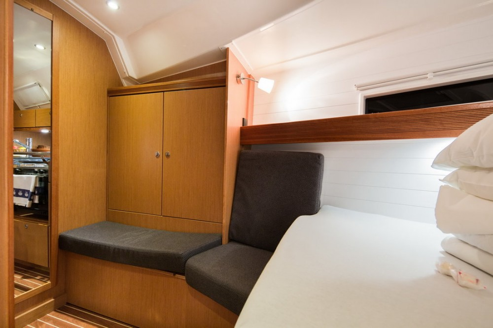 Rental yacht Pirovac - Bavaria Bavaria Cruiser 40 S on SamBoat