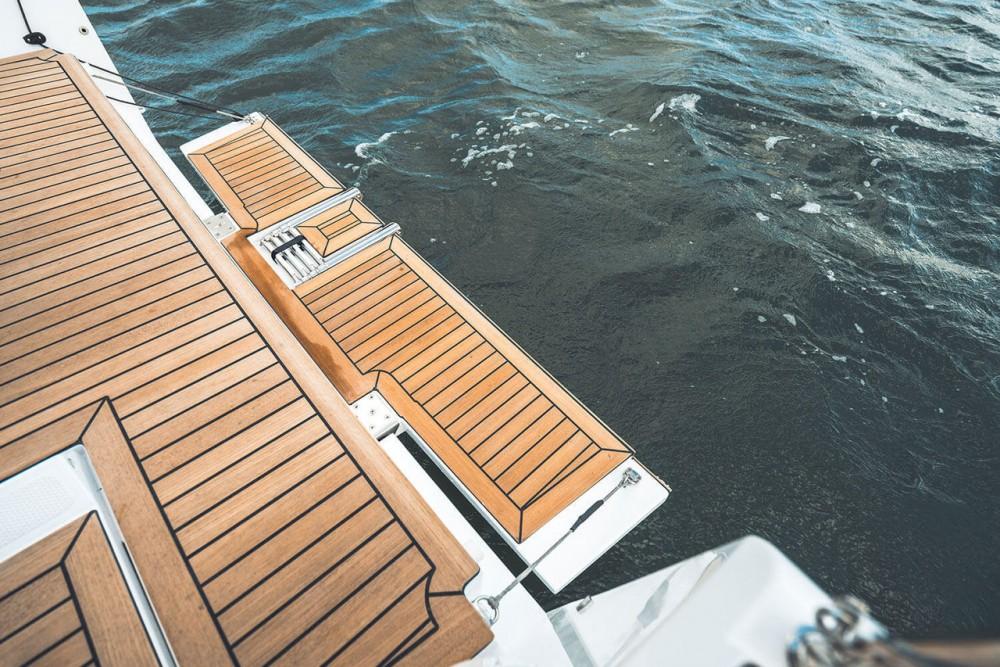 Rental Sailboat in Pirovac - Elan Elan E4