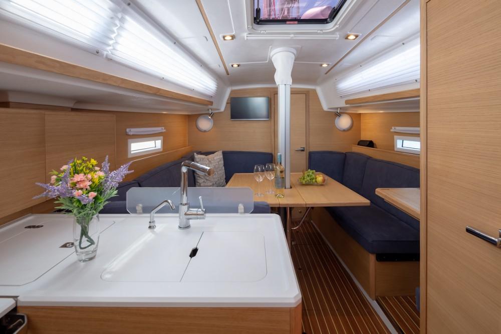 Rental yacht  - Elan Elan E4 on SamBoat