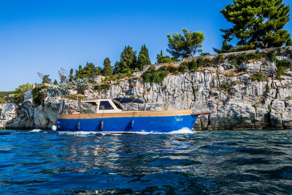 Hire Motorboat with or without skipper  Split