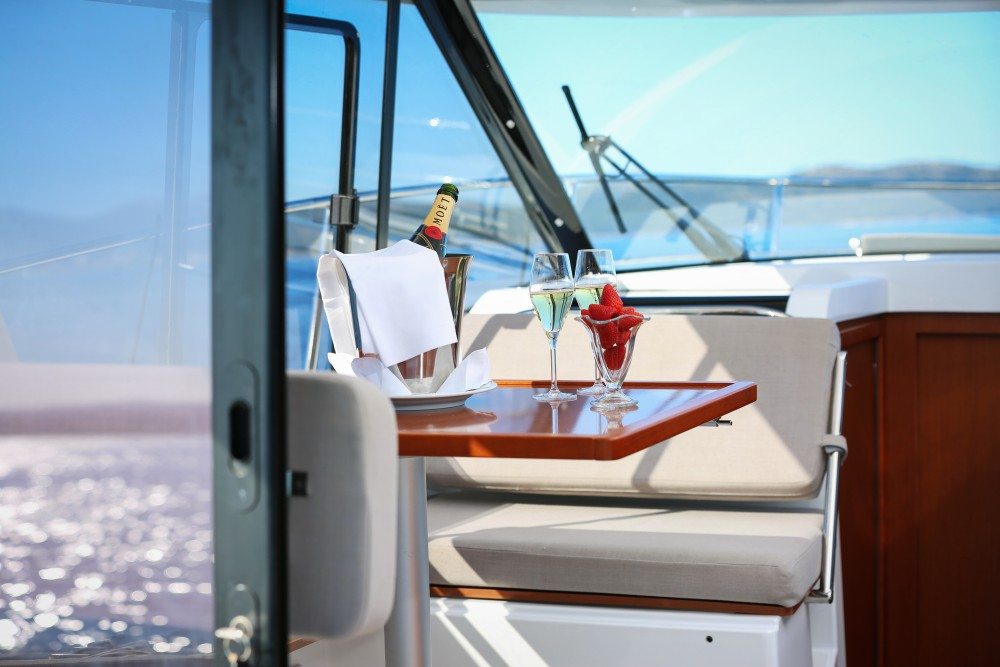 Boat rental Jeanneau Merry Fisher 895 in Zadar on Samboat