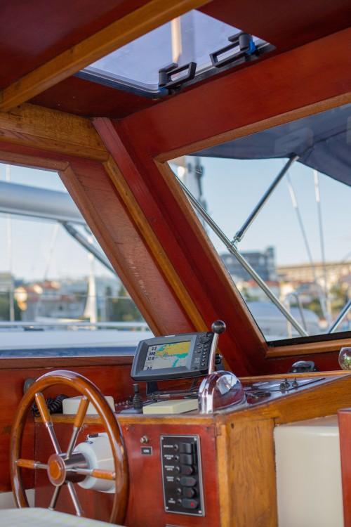 Rental Motorboat in Split -  Leut