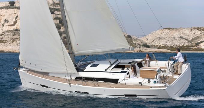 Boat rental Dufour Dufour 410 (3c-1h) in Veruda on Samboat