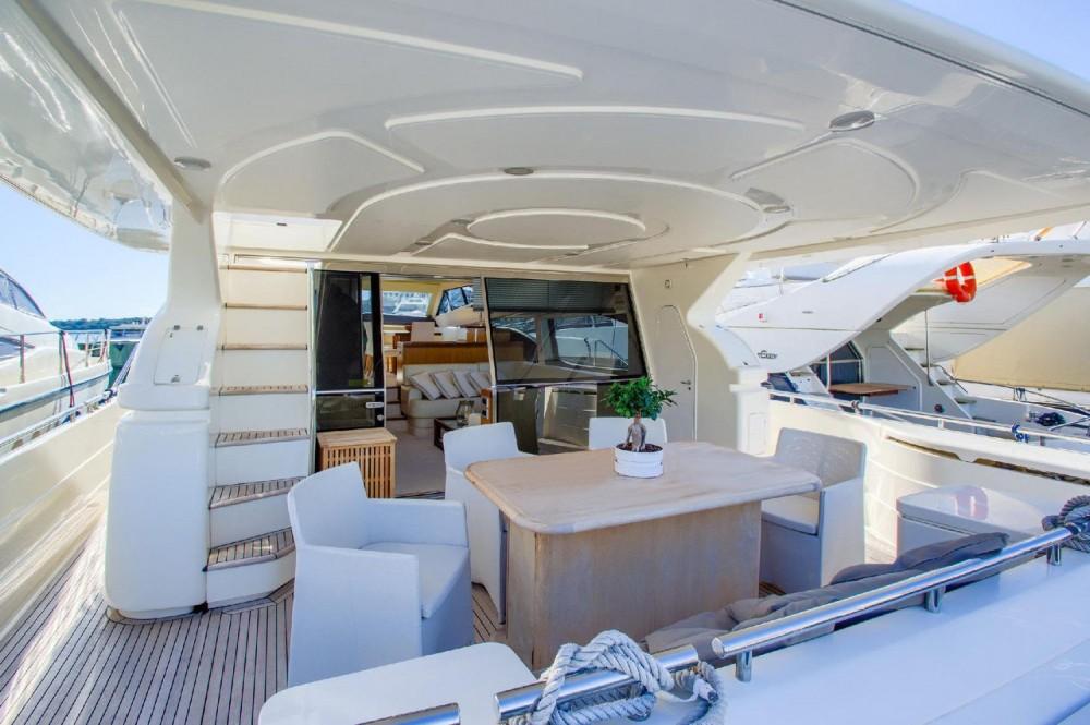 Rental Motorboat in Grad Rijeka - Ferretti-Yachts-Group Ferretti Yachts 681