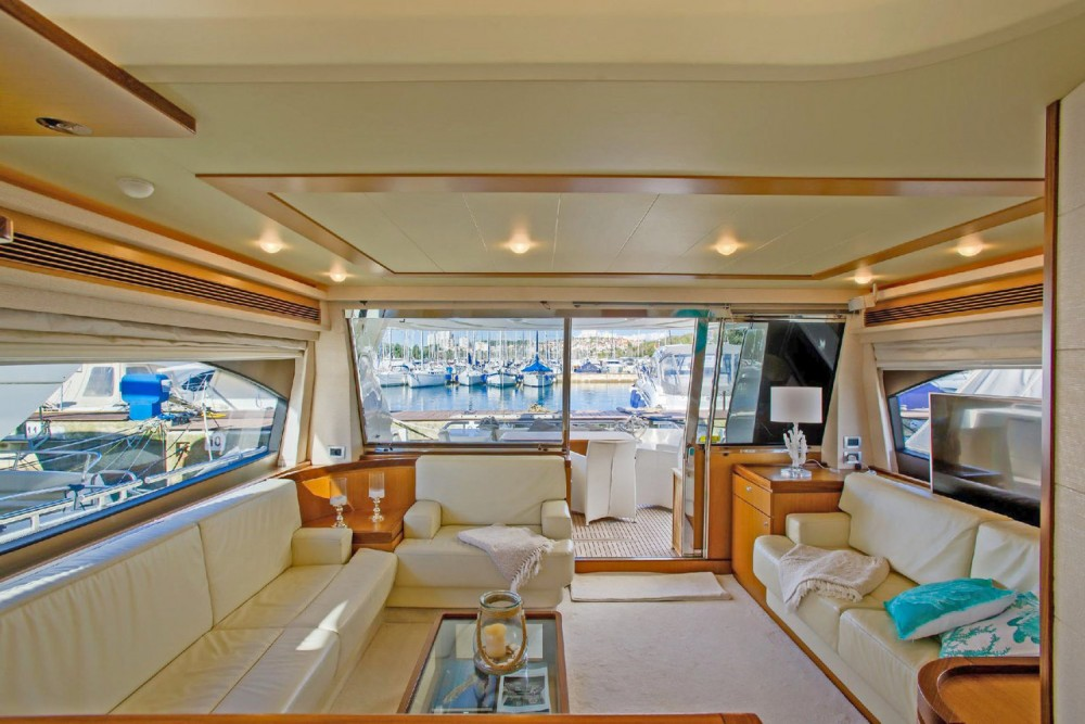 Motorboat for rent Grad Rijeka at the best price