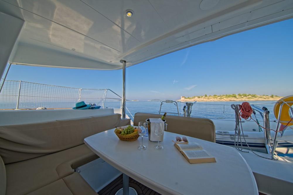 Boat rental Lagoon Lagoon 400 in Murter on Samboat