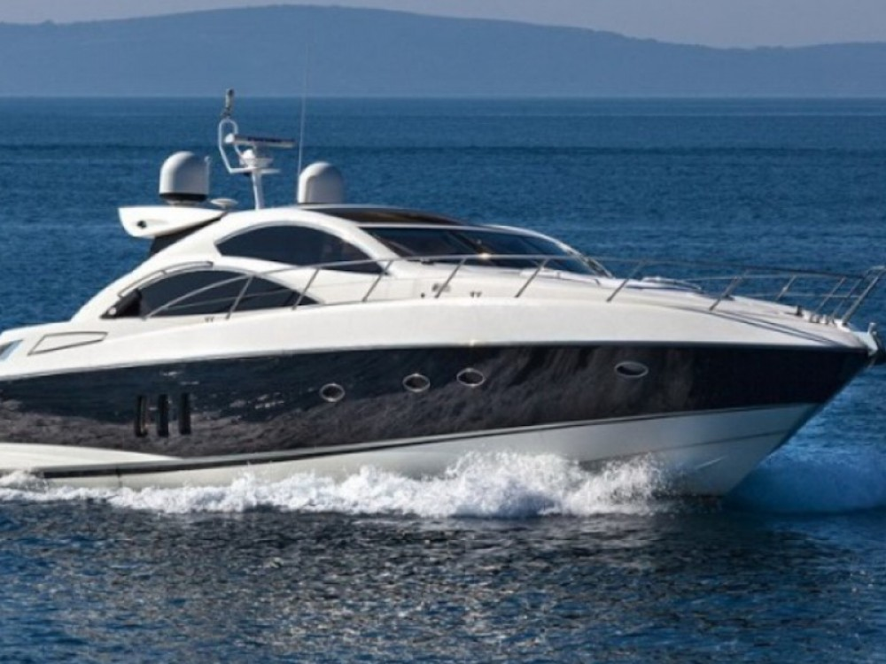 Rental Yacht in  - Sunseeker Predator 62