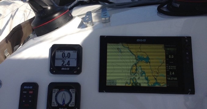 Boat rental Lefkas Egremni cheap Lagoon 400 S2