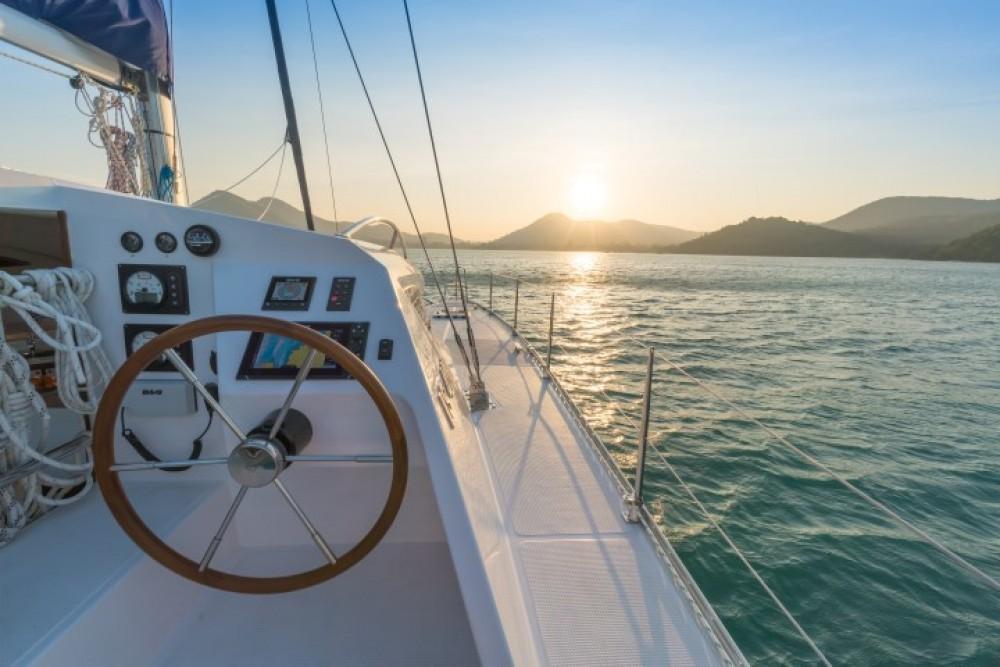Rental Catamaran Island Spirit Catamarans with a permit
