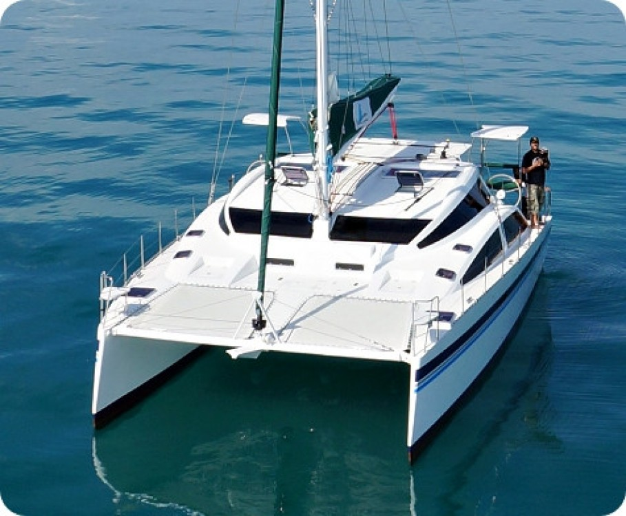 Rental Catamaran Island Spirit Catamarans with a permit