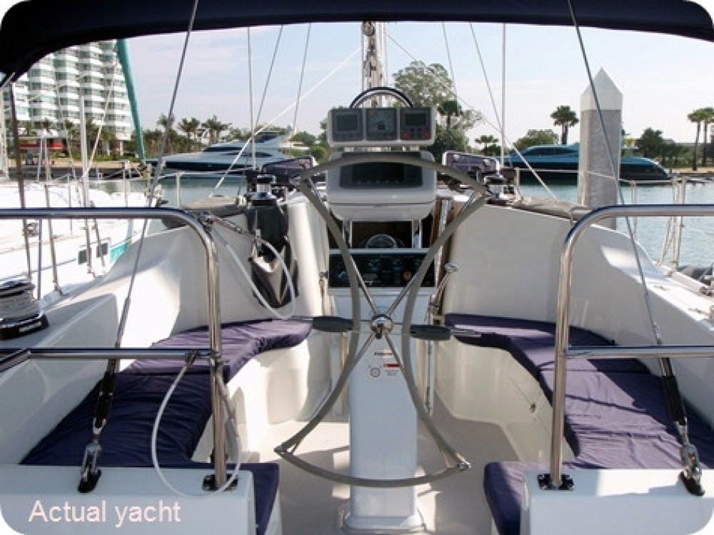 Rental Sailboat Catalina Yachts with a permit