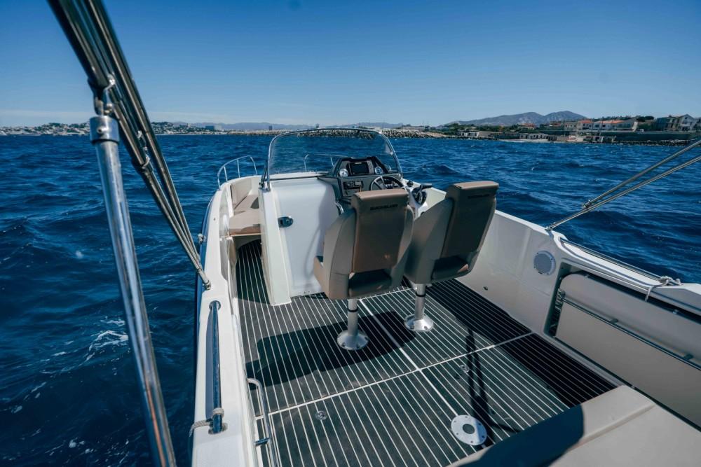 Boat rental Quicksilver Activ 755 Open in Marseille on Samboat