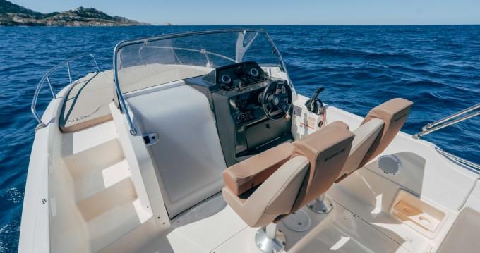 Rental yacht Pointe-Rouge - Quicksilver Activ 675 Sundeck on SamBoat