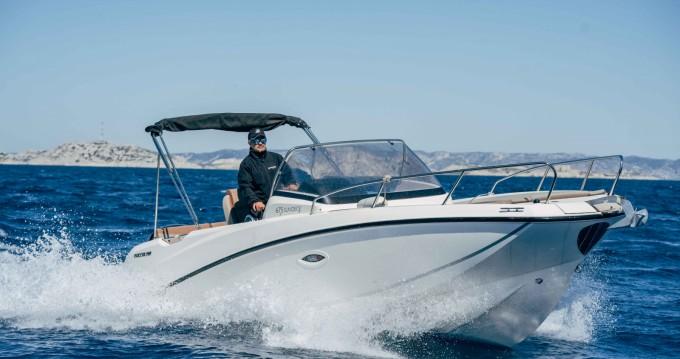 Boat rental Pointe-Rouge cheap Activ 675 Sundeck