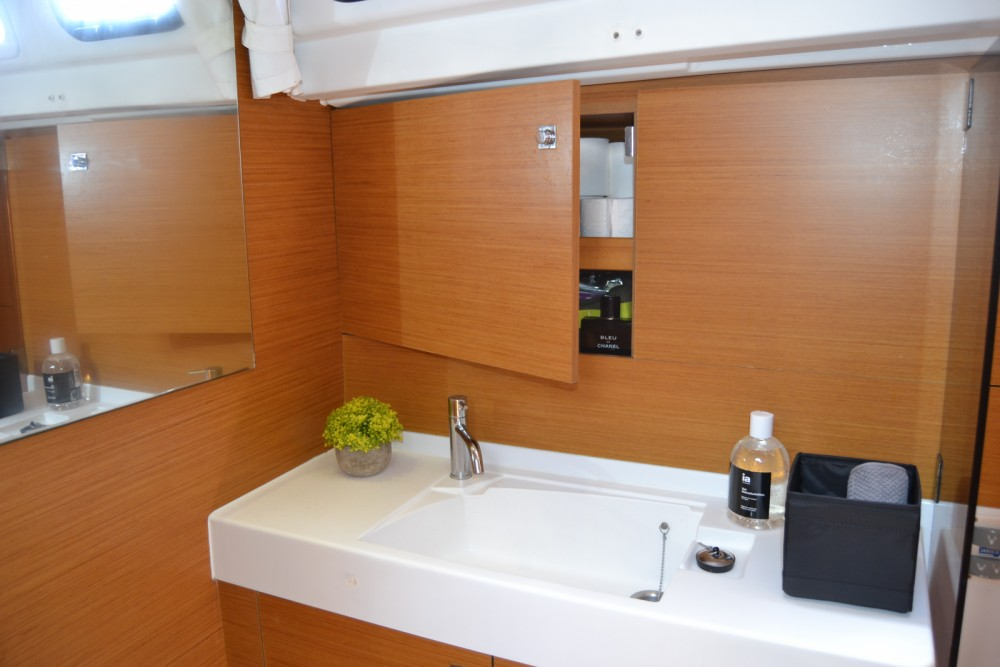 Jeanneau Sun Odyssey 509 between personal and professional Valencia