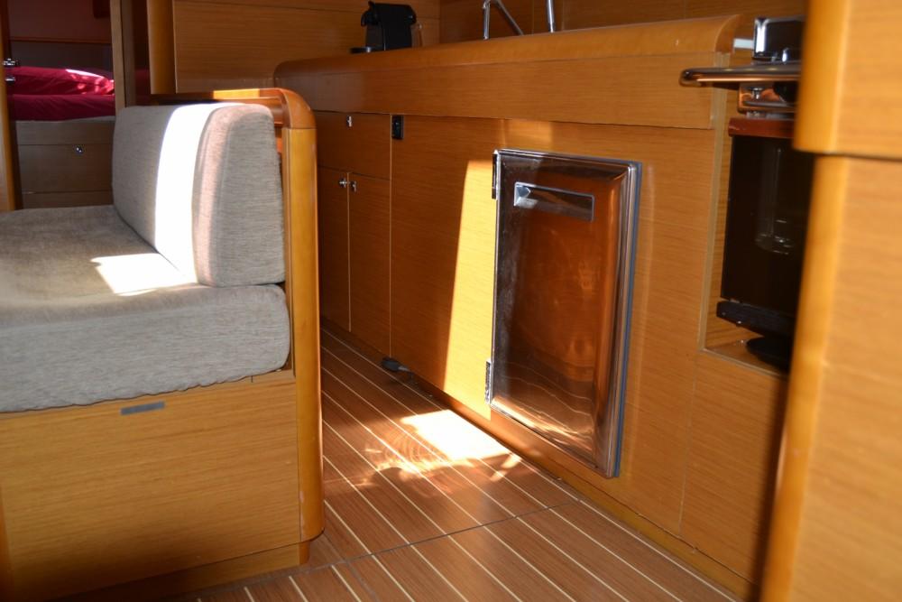 Rental Sailboat in Valencia - Jeanneau Sun Odyssey 509