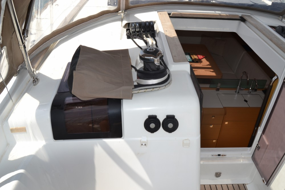 Rental yacht Valencia - Jeanneau SUN ODYSEEY 449 on SamBoat