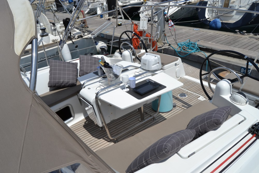 Rent a Jeanneau SUN ODYSEEY 449 Valencia