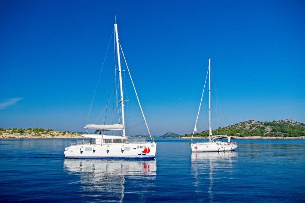 Boat rental Murter cheap Lagoon 400