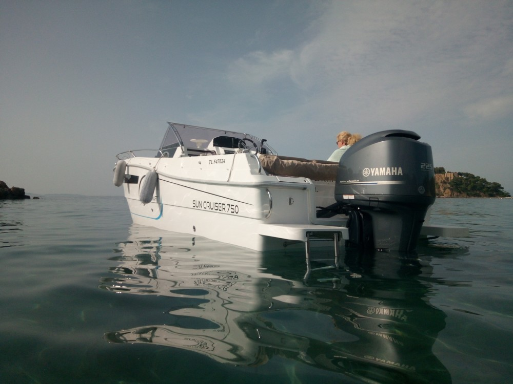 Rent a Pacific Craft Pacific Craft 750 SC Hyères