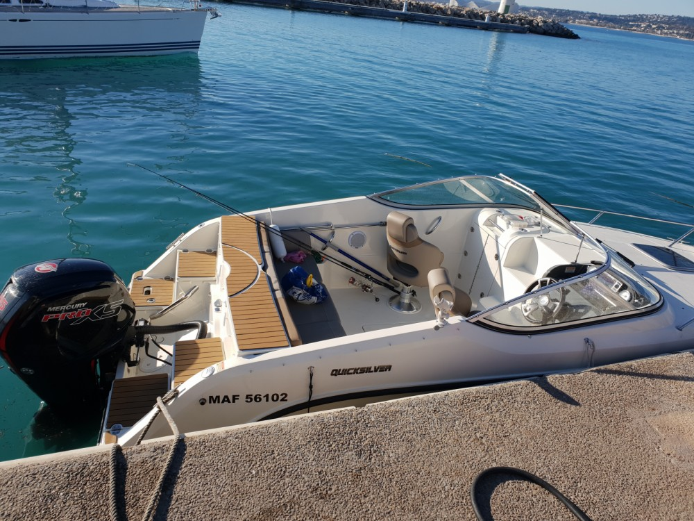 Rental Motor boat in Antibes - Quicksilver Activ 595 Cruiser