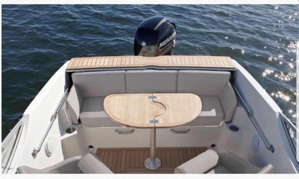 Rent a Quicksilver Activ 595 Cruiser Antibes