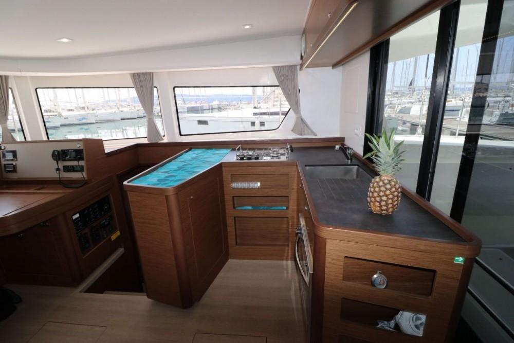 Rental yacht Croatia - Lagoon Lagoon 42 - 4 + 2 cab. on SamBoat