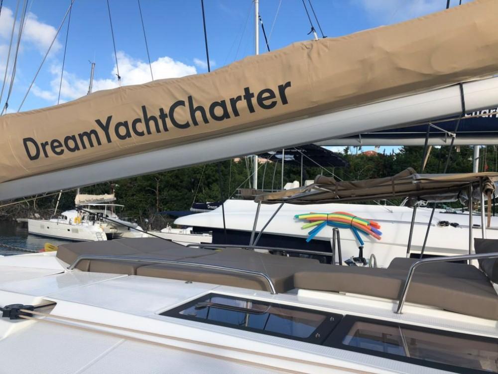 Rental Catamaran in US Virgin Islands - Fountaine Pajot Helia 44