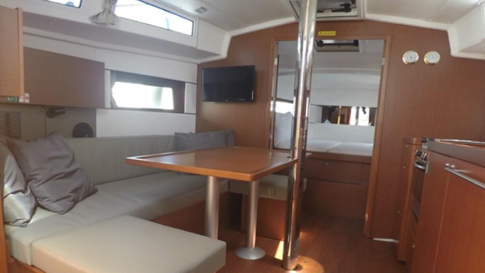Rental yacht Athens - Bénéteau Oceanis 38.1 on SamBoat
