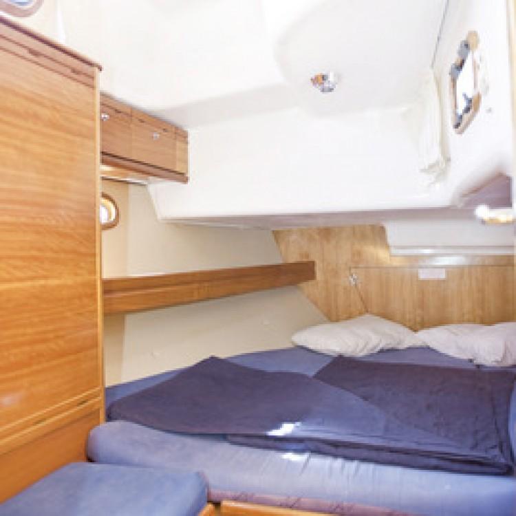 Rental Sailboat in Peloponnese, West Greece and Ionian Sea - Bavaria Bavaria 42 Cruiser