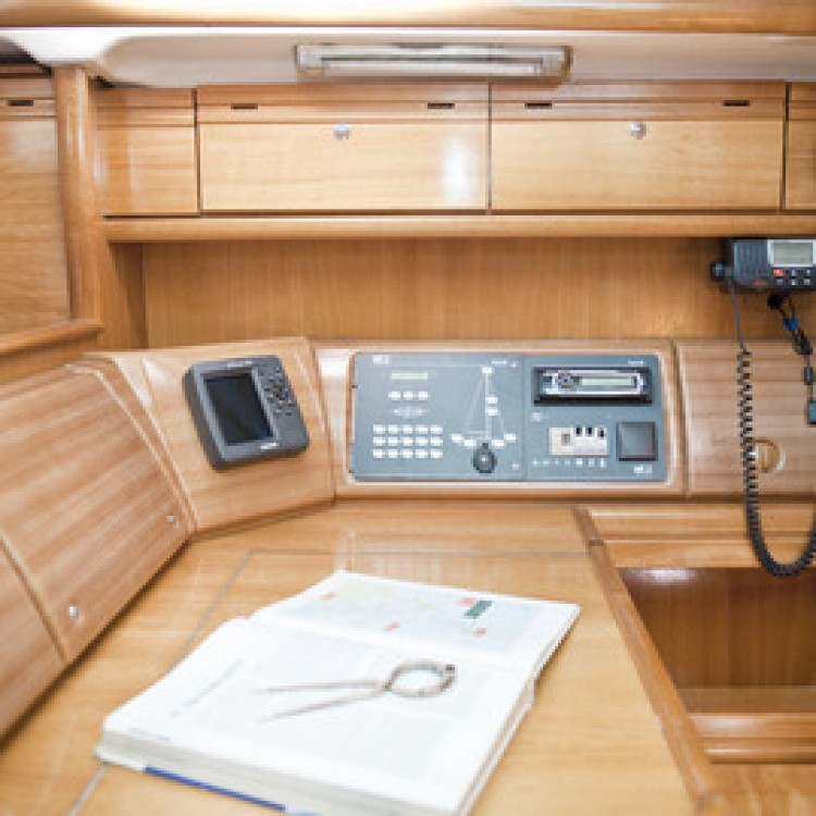 Boat rental Bavaria Bavaria 42 Cruiser in Peloponnese, West Greece and Ionian Sea on Samboat