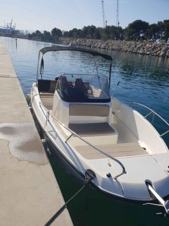 Rental yacht Marseille - Brunswick-Marine QUICKSILVER 605 OPEN on SamBoat