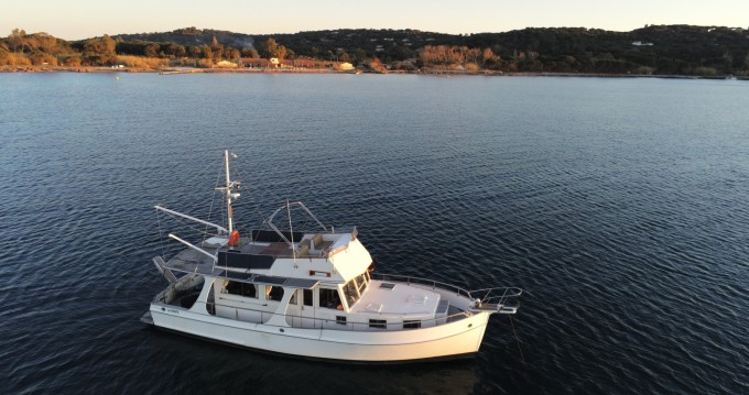 Grand Banks EUROPA 42 between personal and professional Port Grimaud