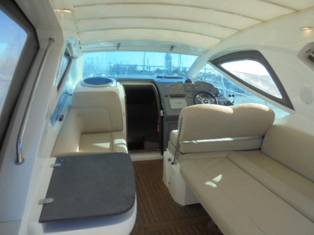 Rental Motor boat in Marseille - Sealine Sealine SC 29