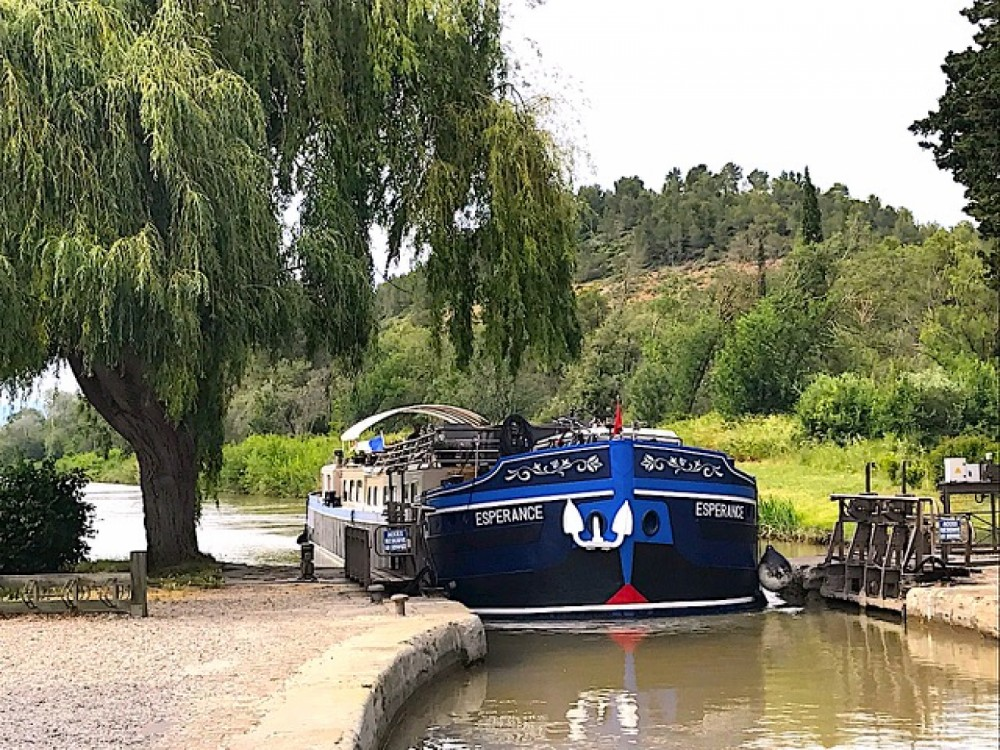 Peniche Canal du midi between personal and professional Carcassonne