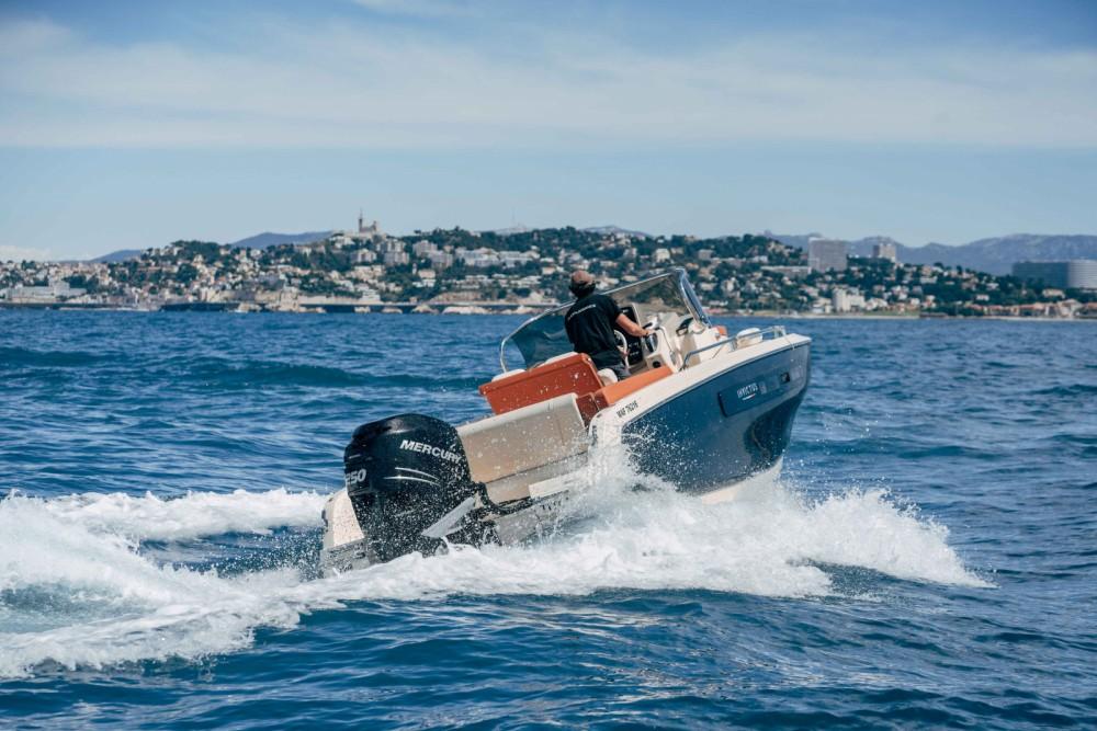 Boat rental Marseille cheap Invictus 240 CX