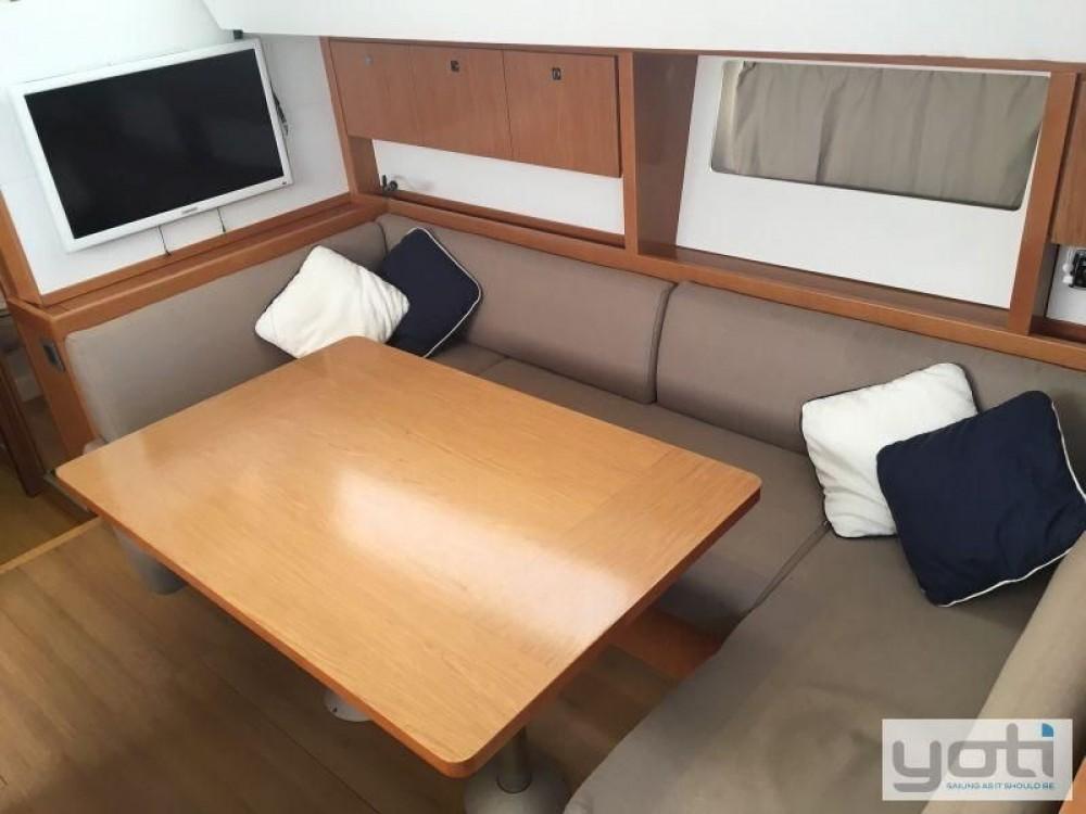 Boat rental Fort Lauderdale cheap Sense 43