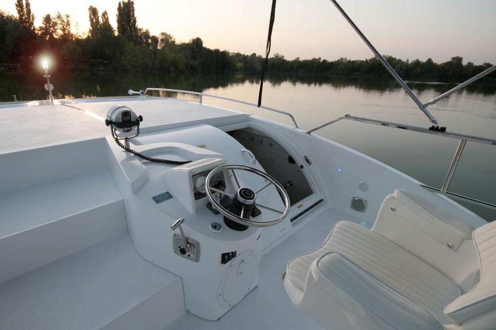 Rental Canal boat in Precenicco - Houseboat Holidays Italia srl Minuetto8+